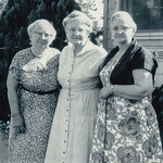 (L to R) Strausser sisters; Gertrude Hill, Sally Hoffa, Mabel Hinnershitz
