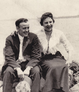 Howard and Hattie (Wien) Bechtel (Stella Humma's sister), Detroit, MI.