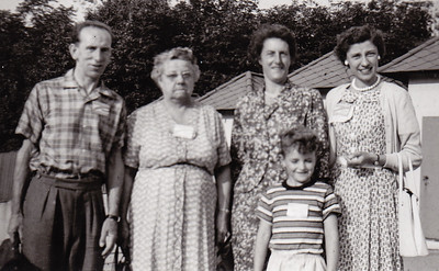 Bert Birch, Stella (Wien) Humma, Margie, David Fisher & Verna Johnston, c. Aug 1958.