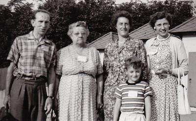 Bert Birch, Stella (Wien) Humma, Margie, David Fisher & Verna Johnston, c. Aug 1958.