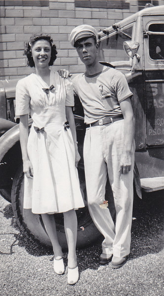 Verna Johnston (age 22) in St. Louis with Carrie Barber (age 36), Aug 6-10, 1941.