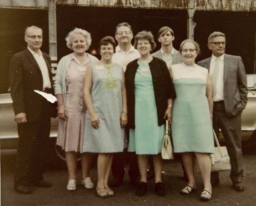 Heims, Ruth 'Rudy' Young, Melvin, Mildred & Fred Strouse, and McClurgs, at NY convention, 1969.