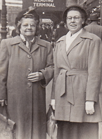 'Ami' Stella (Wien) Humma, with Dot Humma