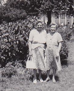 'Ami' Stella (Wien) Humma, with Kate