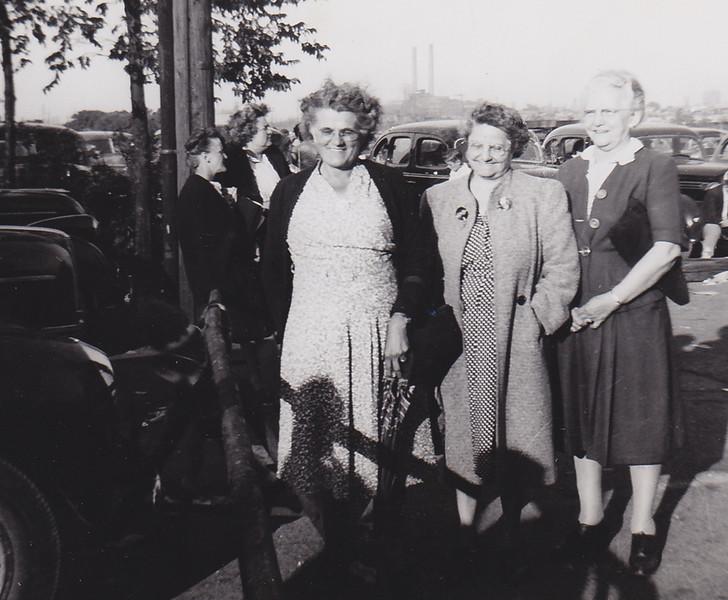 Florence Miller, Ada McDonough, Stella (Wien) Humma, in Cleveland, OH.