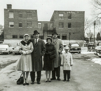 Verna & Walter Johnston, Marian, Ronald and Jeb Humma. Family picking up Walter from Kingdom Ministry School. Jeb remembers they showed a movie about blood and gave them icecream.