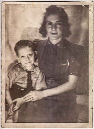 Myrle and son George (Chubby) Wien. Taken at Aunt Bessie Wien. Firday 20, 1939.""
