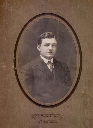Ann (Humma) Huber says: Elmer Harlan Wien. Brother to Stella, never married. Photo taken in Los Angeles, CA. Can anyone verify if this is Elmer Wien??