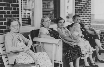 L-R: Katie (Wien) Strouse,  ?  , Ruth (Wien) Bortz with grand-daughter Pam, Stella (Wien) Humma.