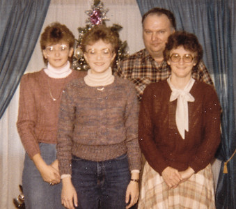 Dec 1984: Carlyn, Doreen, Carl & Marilyn.
