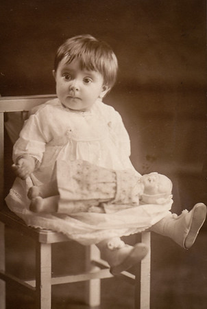Pearl Marie Schrack, daughter of Riley and Ida (Stoudt) Schrack. (Pearl later married to Jay Henne).