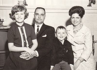 Ronald and Marian (Werner) Humma with children Cathy and Jeb. (Jeb was born 1959)