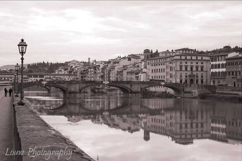 "<a target=""NEWWIN"" href=""http://en.wikipedia.org/wiki/Ponte_Santa_Trinita"">Ponte Santa Trinita</a>, Firenze"