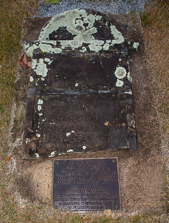 Here lies buried Johann Leonard Rith. He was born 1691 and died 1747. He had with his wife Annalisa Catharina, 8 children and 65 grandchildren.