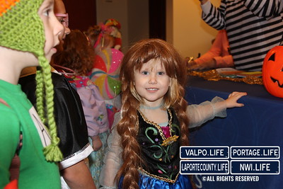 Avalon Springs' Trick or Treat 2014