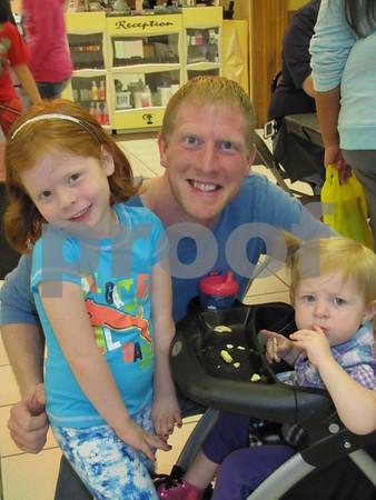 Jon Sandahl and his children Harper and Clara.