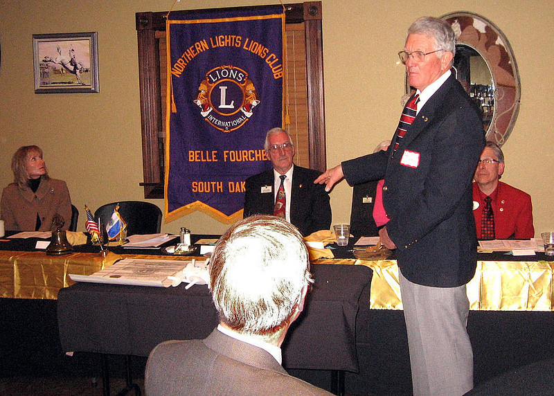 Lion Leo Orme, president of the sponsoring Belle Fourche Lions Club, addresses the group.