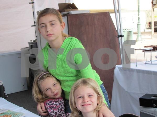 Caitlin Grogan with Caron and Chrissa Hulsebus.
