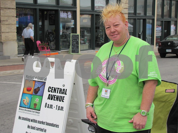 Babbs Dawster of Bickford Living was volunteering as greeter to the Market on Central.  Bickford Living was the host for this weeks market.