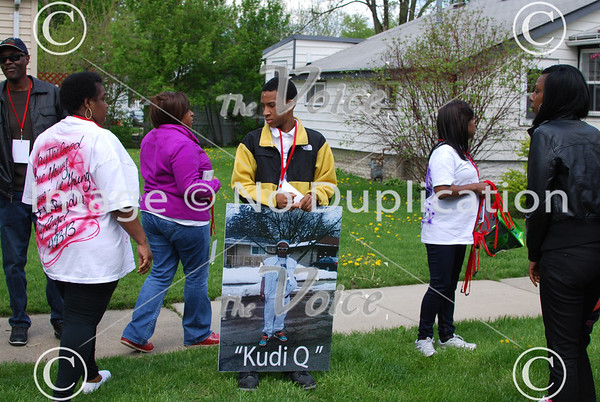 Prayer vigil for Quaine Smith Sr in Aurora, Ill 5-11-13
