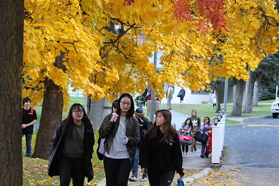 Students in Fall Colors 10-26-17