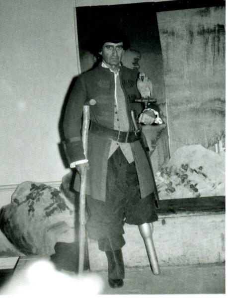 Long John Silver<br /> Frank Barnes