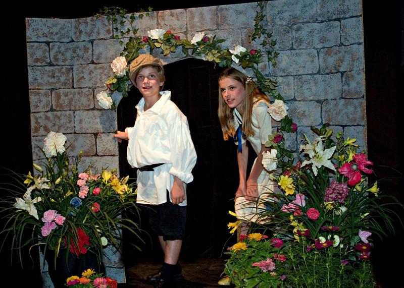 Secret Garden<br /> Victorian Johnston, Katherine Johnson, Billy O'Donnell