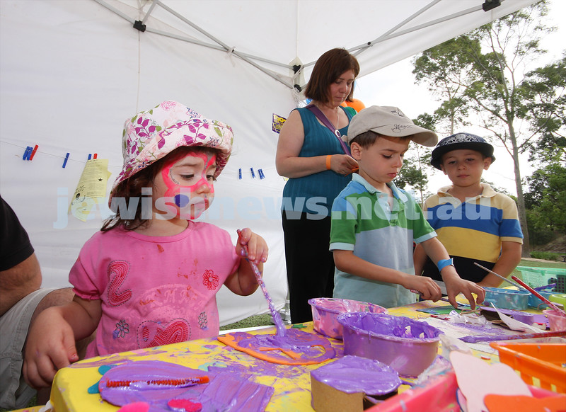 21/3/10. Jewish Care Family Fun Day at Bialik College. From left: Tori Balter, Marcus and Sam Nadler. Photo: Peter Haskin