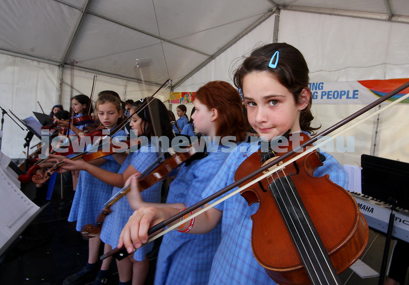21/3/10. Jewish Care Family Fun Day at Bialik College. Sholem Alecheim school band.  Photo: Peter Haskin
