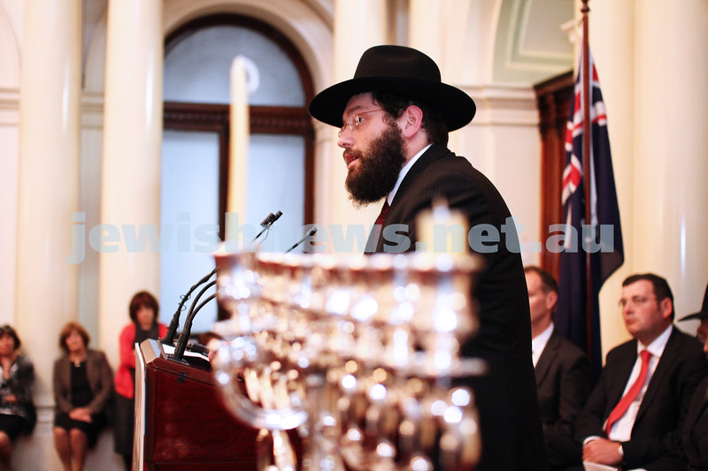 Chanukah at Queens Hall, Parliament House 2011. Rabbi Yisroel Sufrin. Photo: Peter Haskin