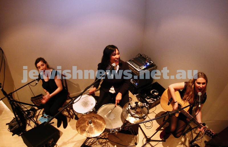 8-9-13. Cooking with the Raizons. New cook book launch. Kate Ceberano provides the entertainment. Photo: Peter Haskin