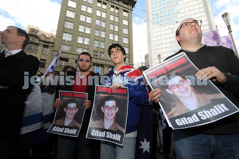 30-8-10. Gilad Shalit. On the occasion of the 5th birthday he has spent in captivity,  Jewish students from Melbourne organised a rally of support outside the GPO in Melbourtne city. Photo: Peter Haskin