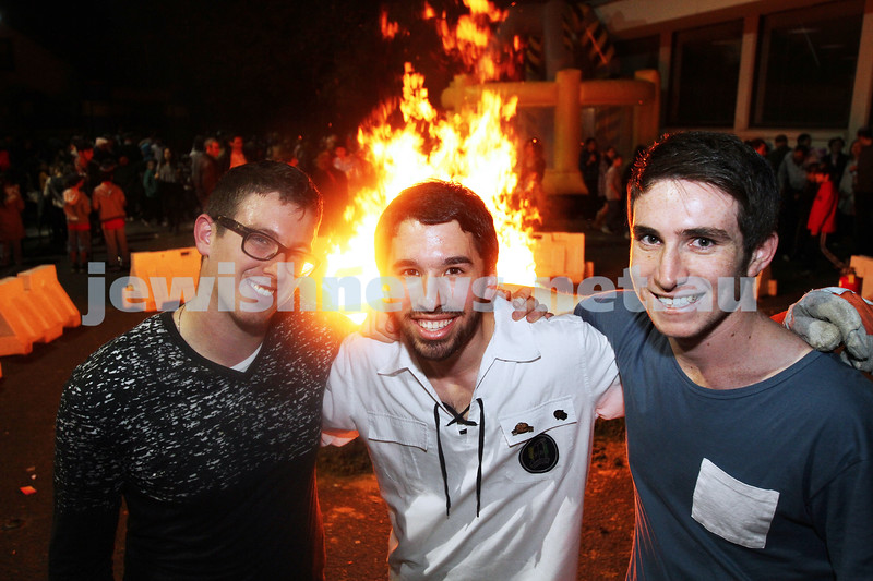 9-5-12. Lag B'omer 2012. Bnai Akiva activities at Mizrachi. Photo: Peter Haskin