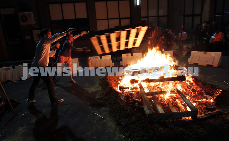 9-5-12. Lag B'omer 2012. Bnai Akiva bon fire activities at Mizrachi. Photo: Peter Haskin