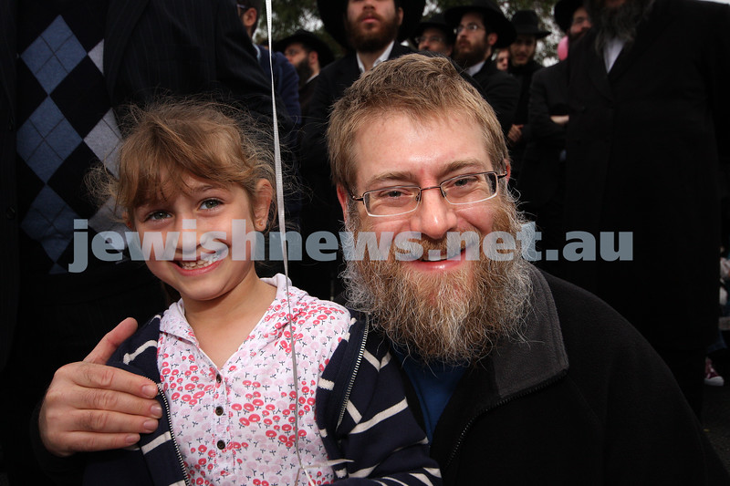 2/5/10. Lag B'omer celebrations, Chabad Youth parade, Hotham Street. Photo: Peter Haskin
