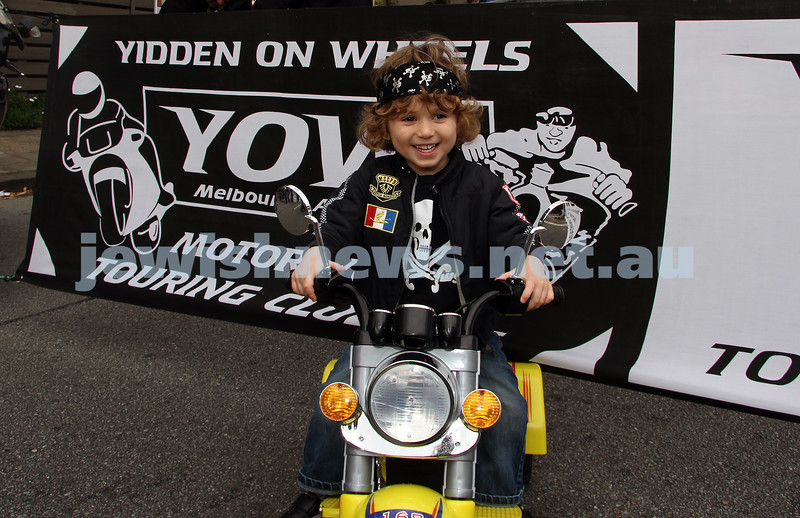 22-5-11. Chabad Youth Lag B'omer Parade 2011. YOW. Rene Freiberg. Yidden on Wheels lead off the parade. Photo: Peter Haskin