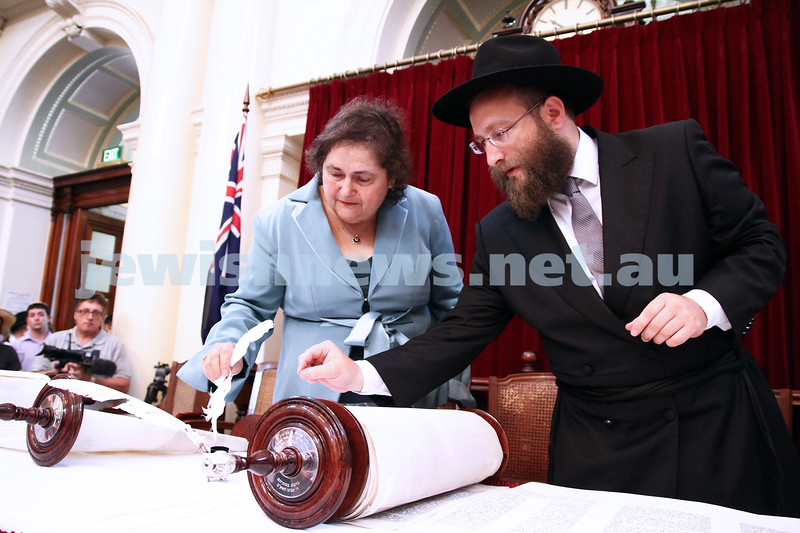 29-1-12. East Melbourne Hebrew Congregation. Double Torah dedication at Queens Hall, Parliament House, Victoria with Cheif Rabbi Lord Jonathan Sacks in attendance.  Rabbi Eli Gutnick. Photo: Peter Haskin.