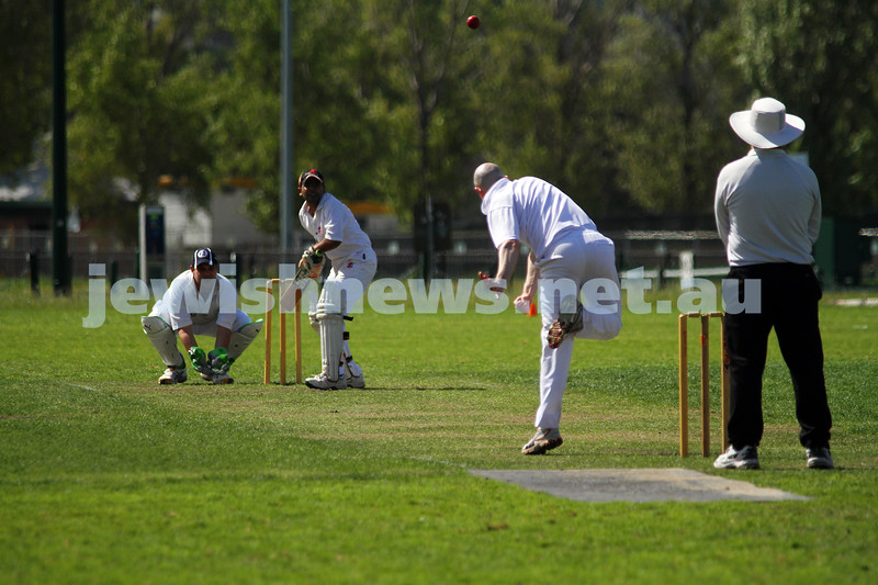 9-10-11. Maccabi Cricket v RMIT. David Majtlis. Photo: Peter Haskin
