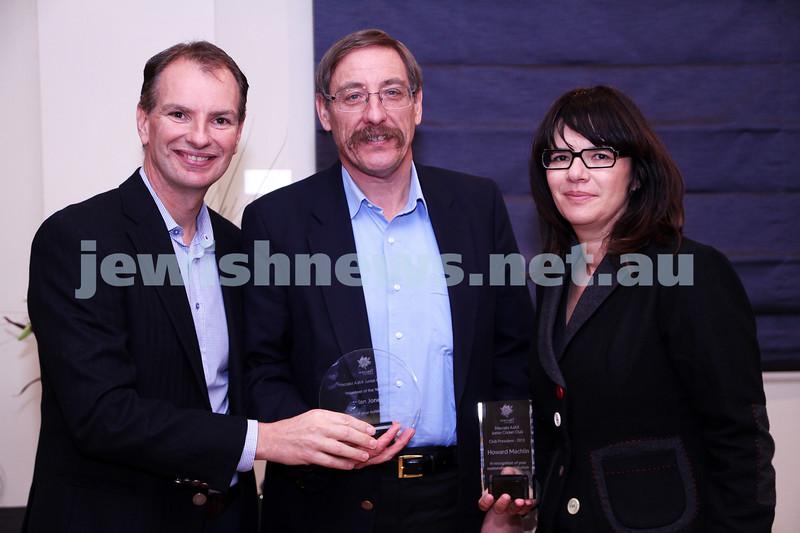 19-5-13. Maccabi Victoria Volunteer Awards 2013. Jnr Cricket Club. From left: David Southwick, Ian Jones, Rosalie Machlin.  Photo: Peter Haskin
