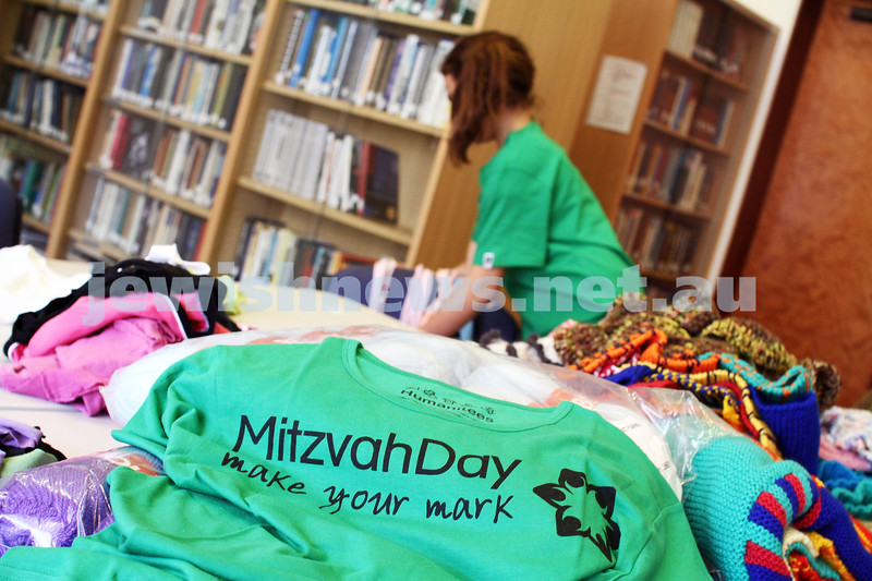 25-11-12. Mitzvah Day 2012.  Photo: Peter Haskin