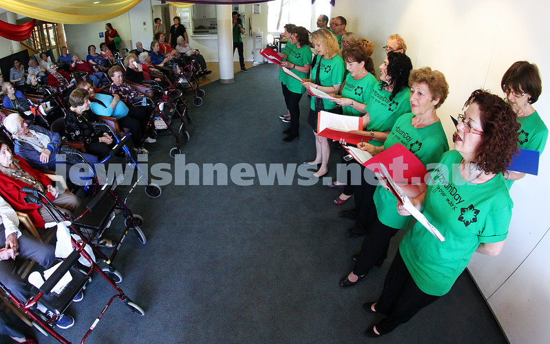 25-11-12. Mitzvah Day 2012. Mir Kumen on Yiddish Choir at Emmy Monash . Photo: Peter Haskin