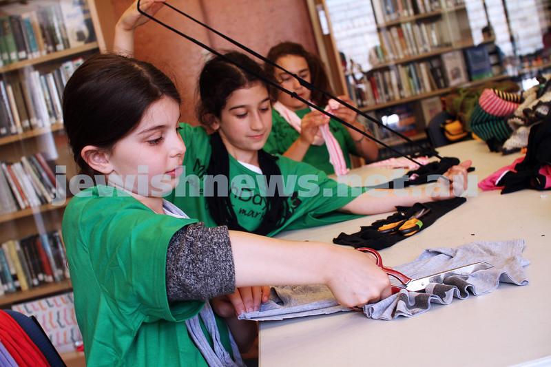 25-11-12. Mitzvah Day 2012. Impact. From left: Jemma Messer, Sara Pisacane, Gabrielle Gruskin. Photo: Peter Haskin