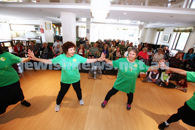17-11-13. Mitzvah Day 2013. ZOOZ Israeli dancing entertaining residents at Gary Smorgon House. Photo: Peter Haskin