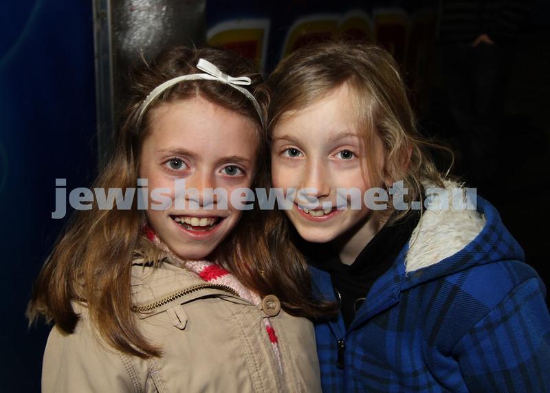 27-9-10. Chabad Youth annual Succot at Luna Park. Chana Aron (left), Mesouda Goldman. Photo: Peter Haskin