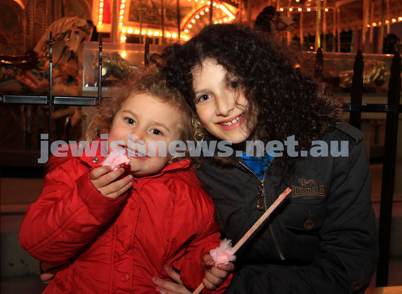 27-9-10. Chabad Youth annual Succot at Luna Park. Jade Cohen (left), Emma Kessell. Photo: Peter Haskin