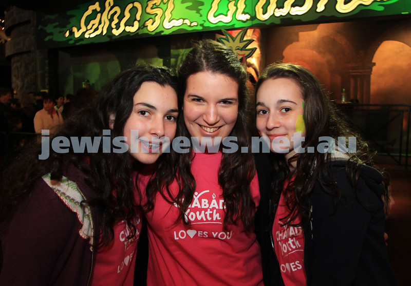 27-9-10. Chabad Youth annual Succot at Luna Park. From left: Chana Engel, Yardena Schachna, Dasi Pinczower. Photo: Peter Haskin
