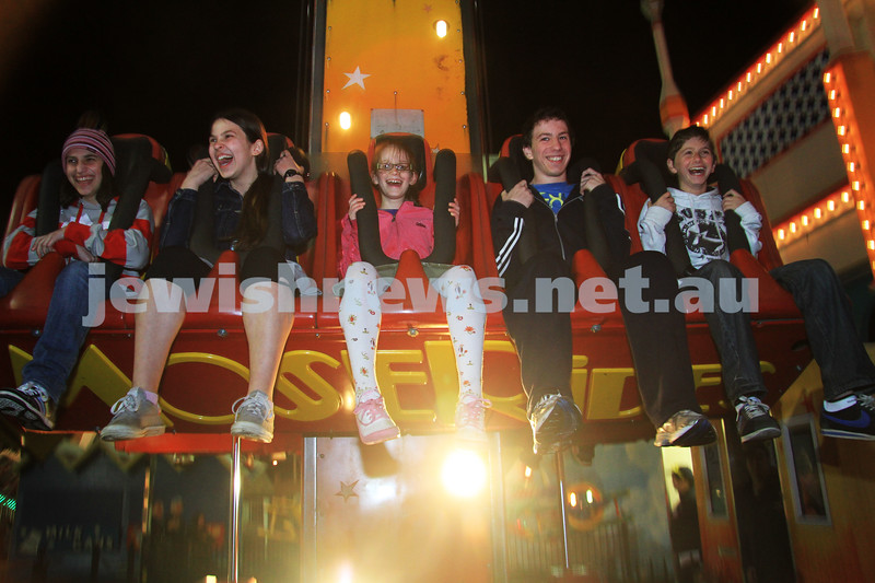 27-9-10. Chabad Youth annual Succot at Luna Park. Photo: Peter Haskin