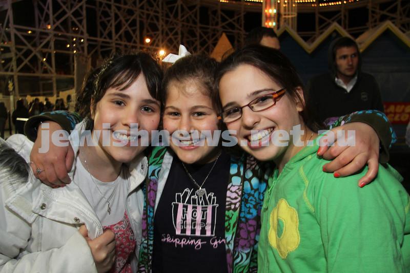 27-9-10. Chabad Youth annual Succot at Luna Park. From left: Chaya Gutnick, Chavi Block, Nechama Rapp. Photo: Peter Haskin