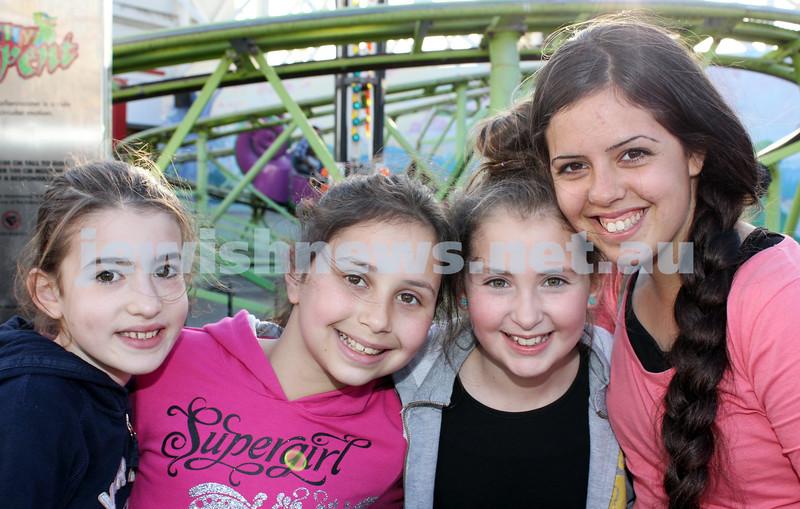 17-10-11. Sukkot at Luna Park. Mia Casper, Amit Slonim, Yael Gosling, Aviya Azram. Photo: Lochlan Tangas
