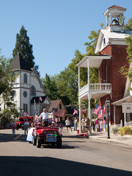 Dai Meagher, candidate for Treasurer, in Constitution Day parade, Nevada City